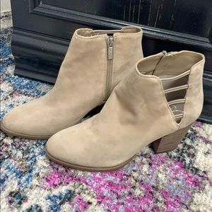 Brand New never worn Jessica Simpson Booties